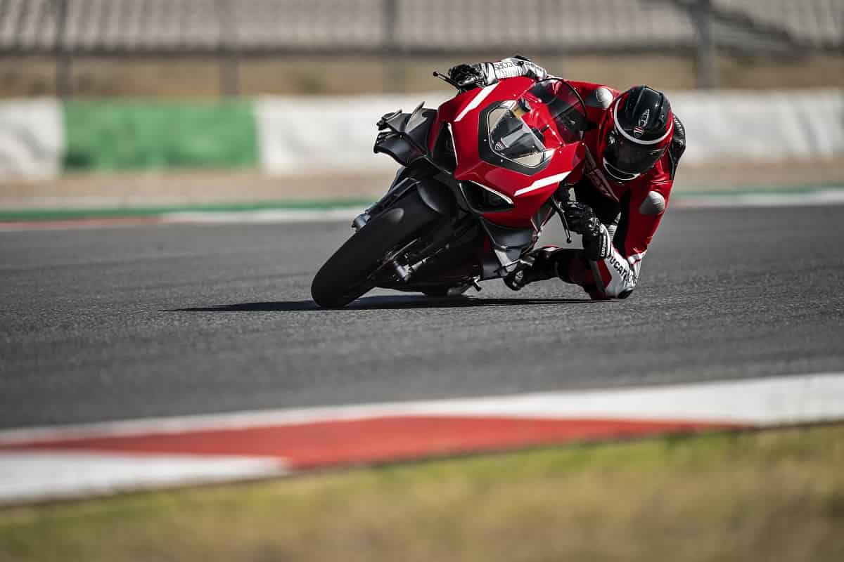 Pirelli Supercorsa per Ducati Superleggera V4