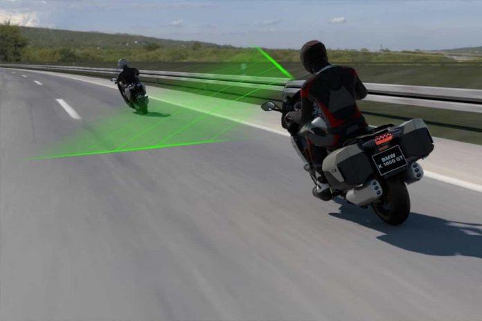 Cruise Control Adattivo per moto