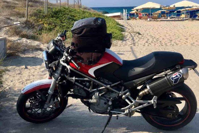 Proteggere moto in estate