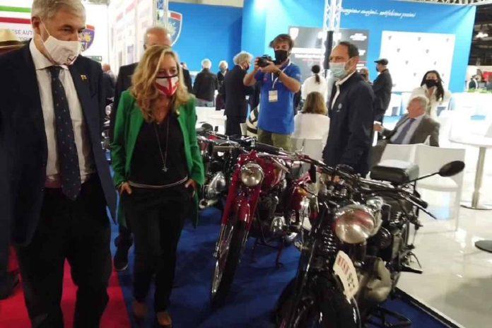 Genova celebra Moto Guzzi