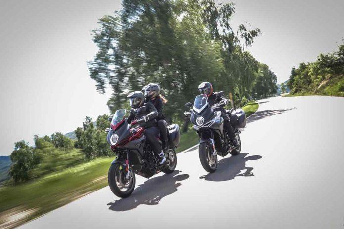MV Agusta con Hertz Ride