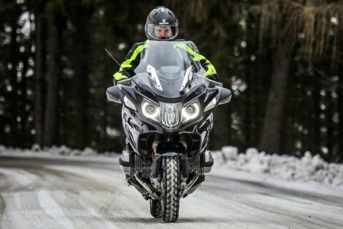In moto sulla neve