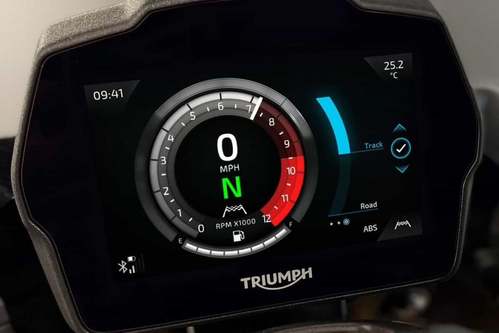 Triumph-Speed-Triple-1200-RS-2021-TFT