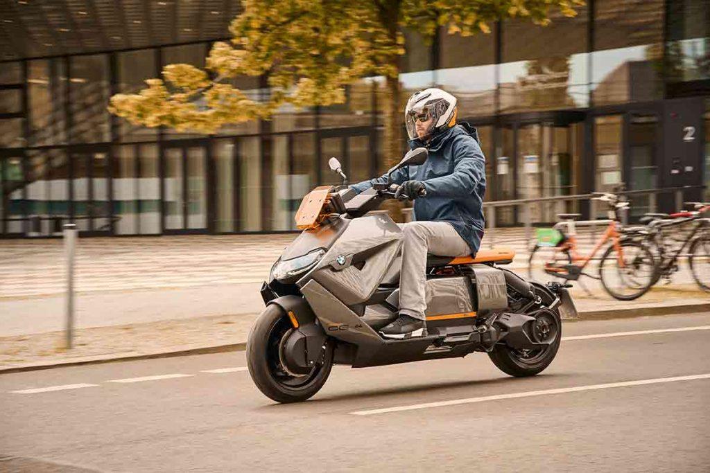 Scooter BMW CE 04